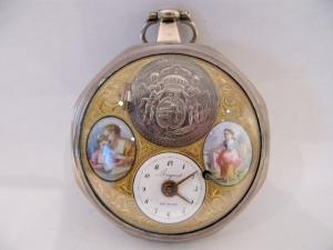 Orologio da tasca in argento con smalti e scena erotica